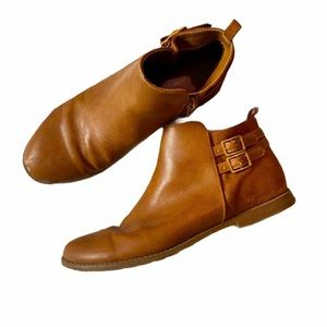 Girls Light Brown Ankle Booties// size 5